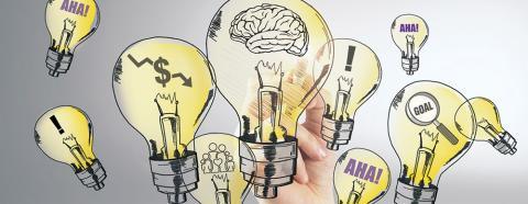 hand drawing lightbulb ideas